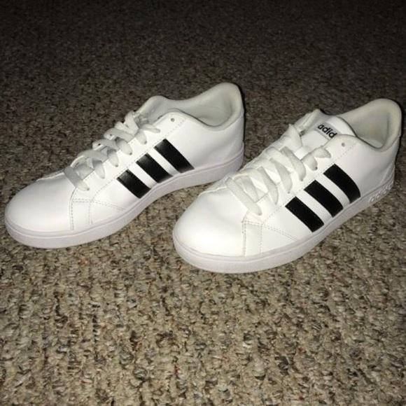 le adidas white donne 8 poshmark